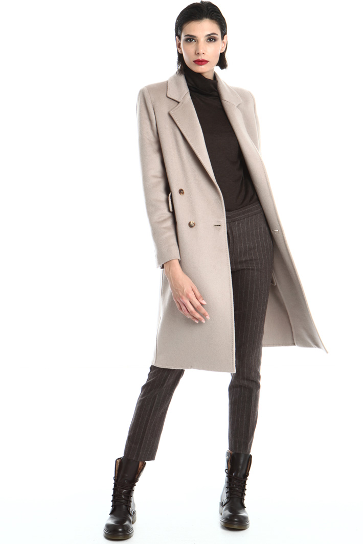 Multi-pocket cashmere coat Intrend