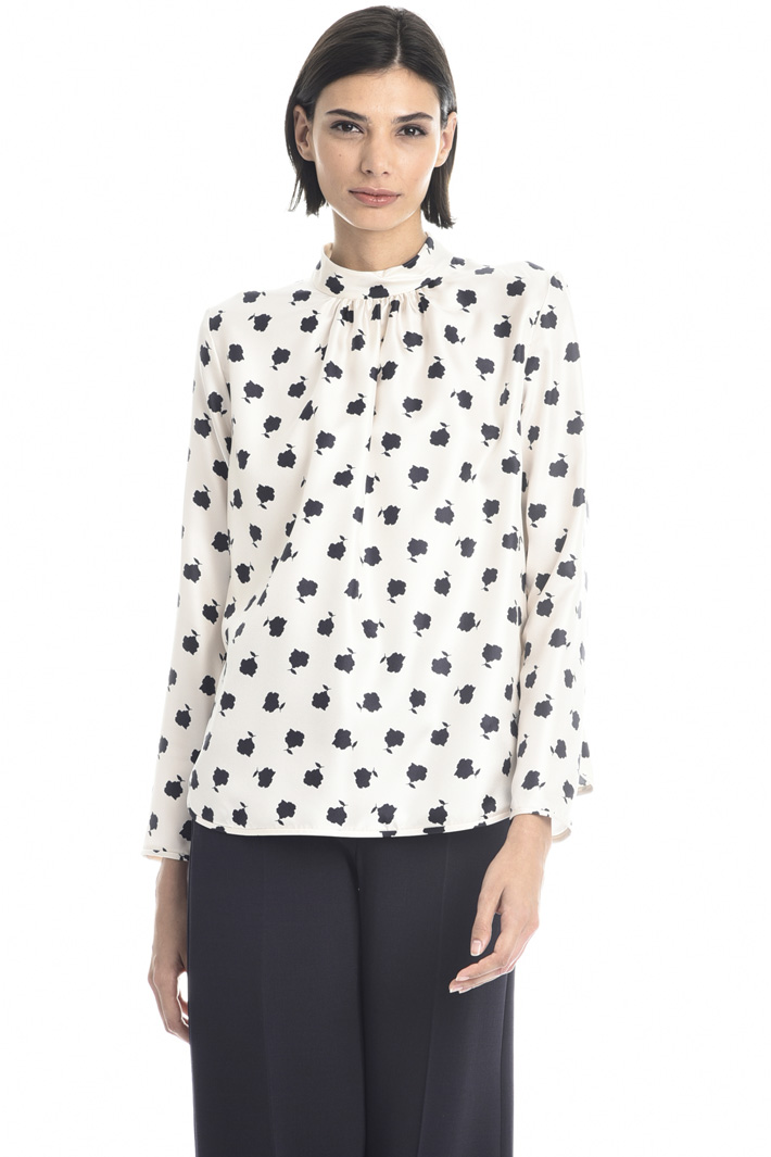Front pleated blouse Intrend