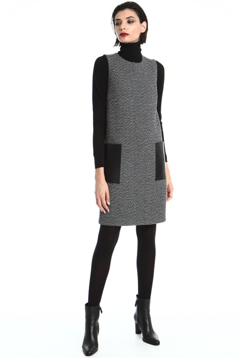 Sleeveless dress in wool Intrend