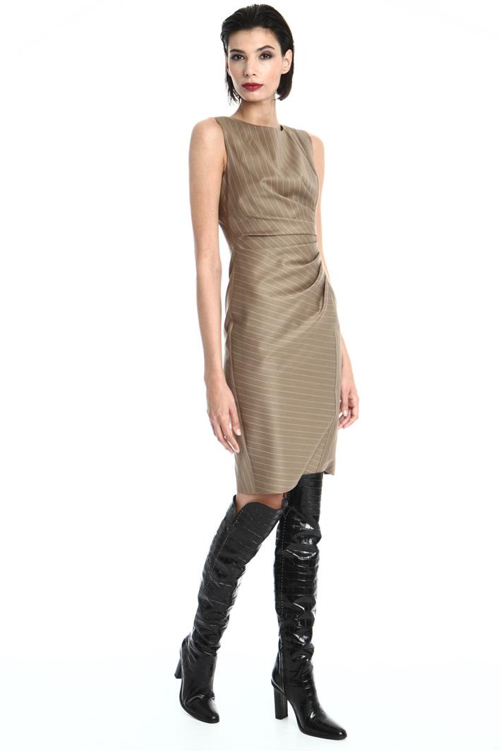 Sleeveless sheath dress Intrend