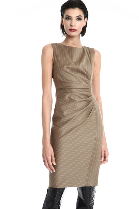 Sleeveless sheath dress Intrend