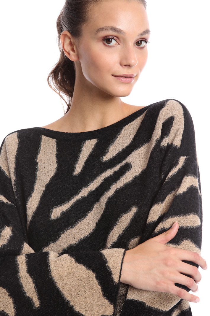 Animal print jacquard sweater Intrend