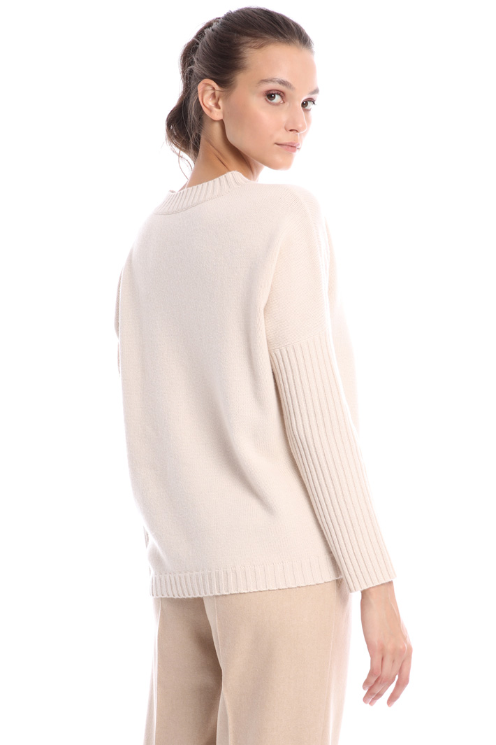 Ribbed sleeve sweater Intrend