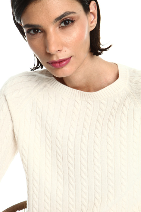 Cashmere yarn sweater Intrend