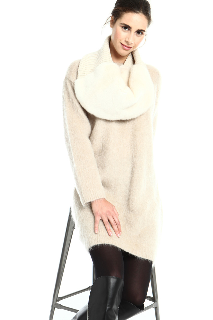 Mink and wool circle scarf Intrend