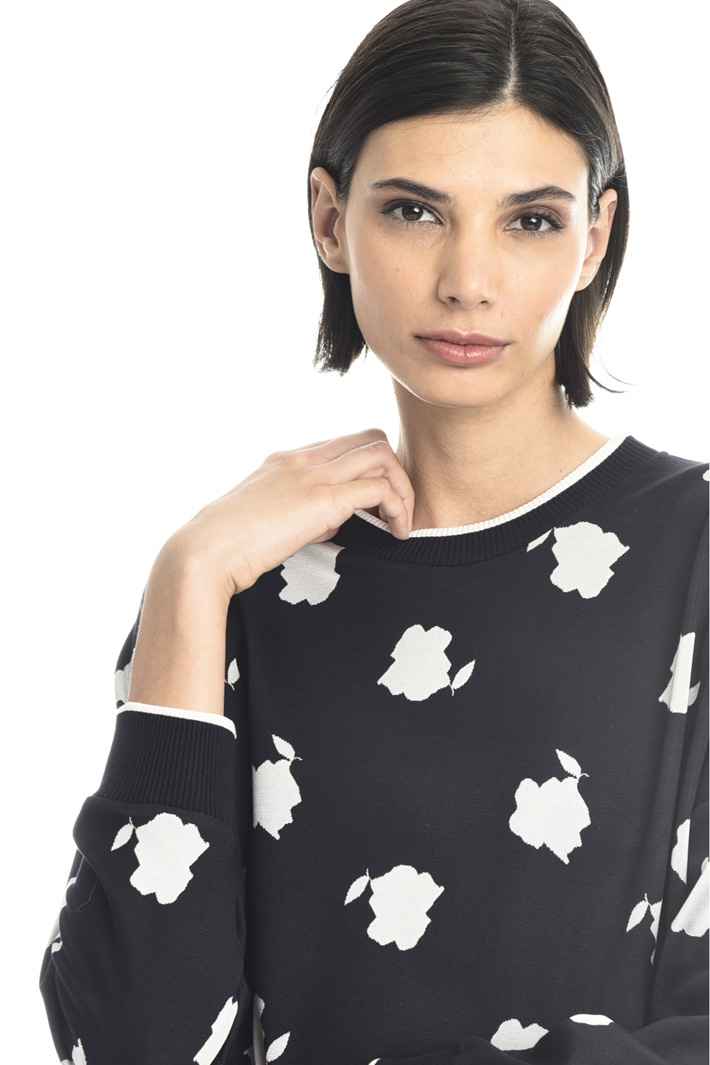 Patterned sweater Intrend