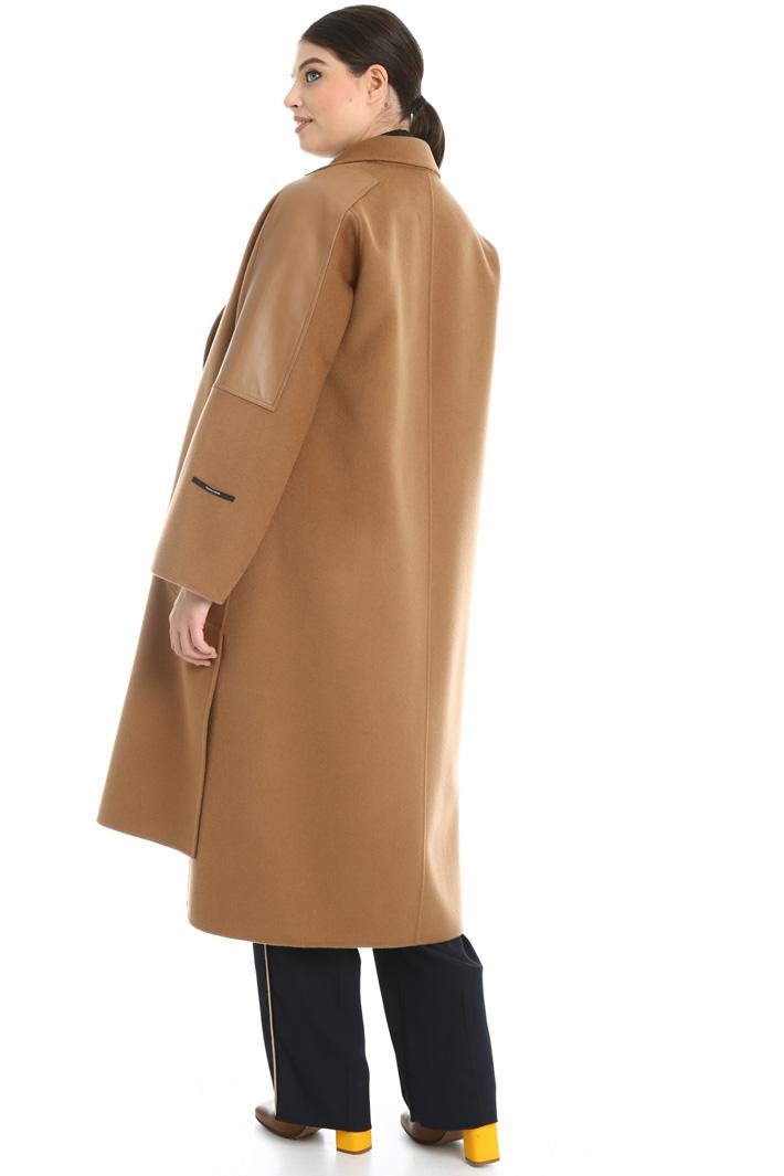 Cappotto in lana e nappa Intrend