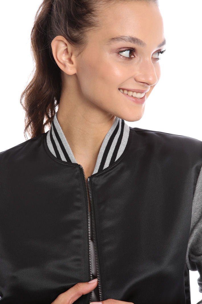 Fancy bomber jacket Intrend