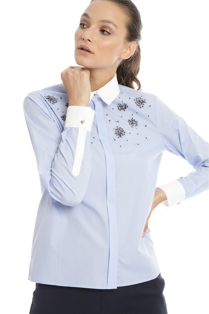 Jewel applique shirt Intrend