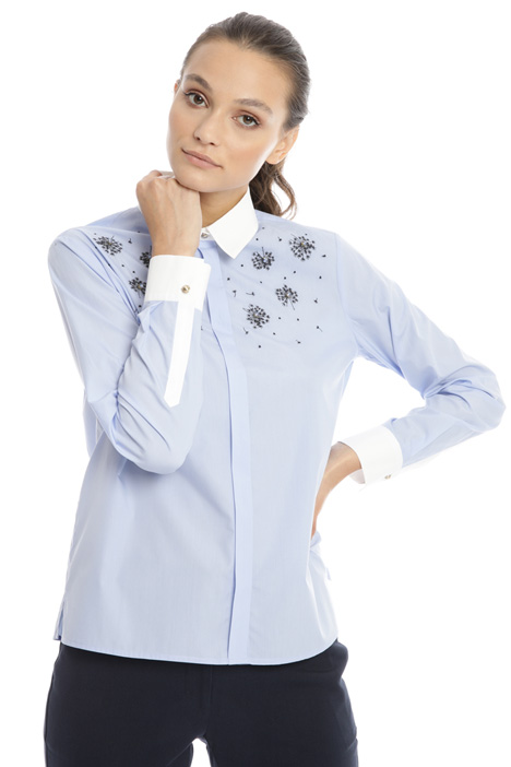 Jewel applique shirt Intrend