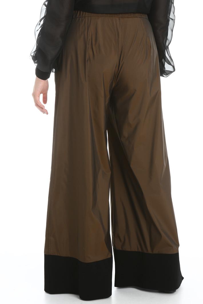 Trousers in fluid taffeta Intrend