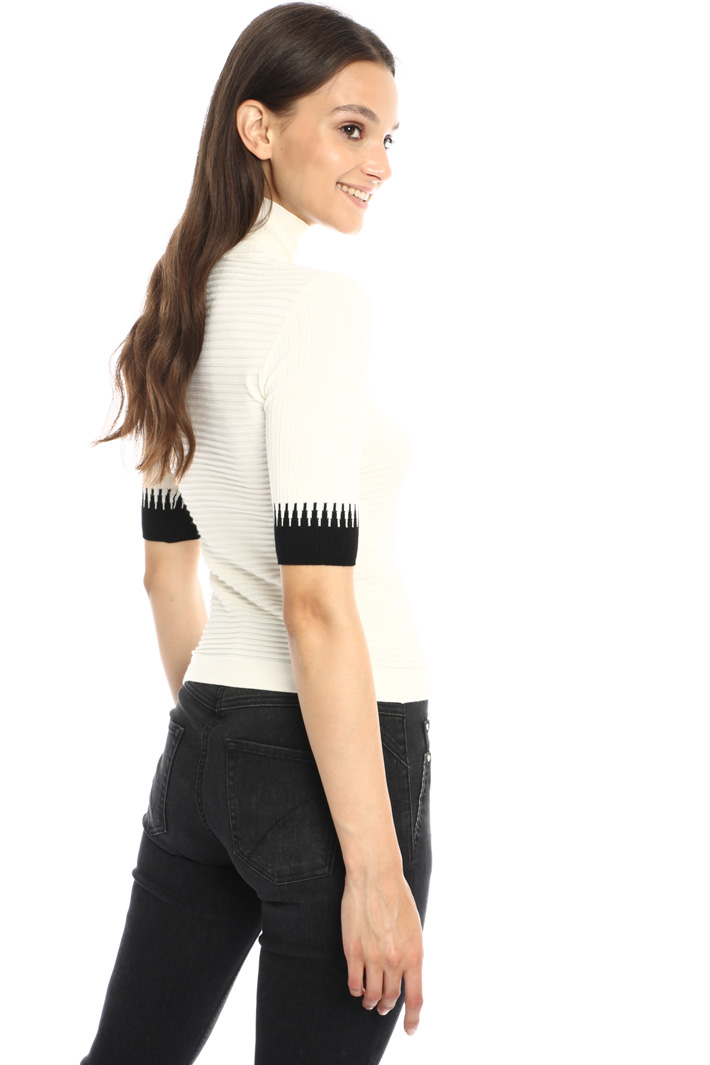 Short sleeve sweater Intrend