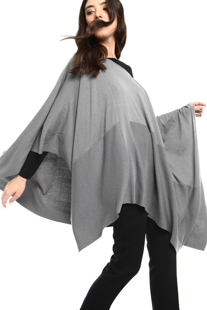 Wool blend poncho Intrend