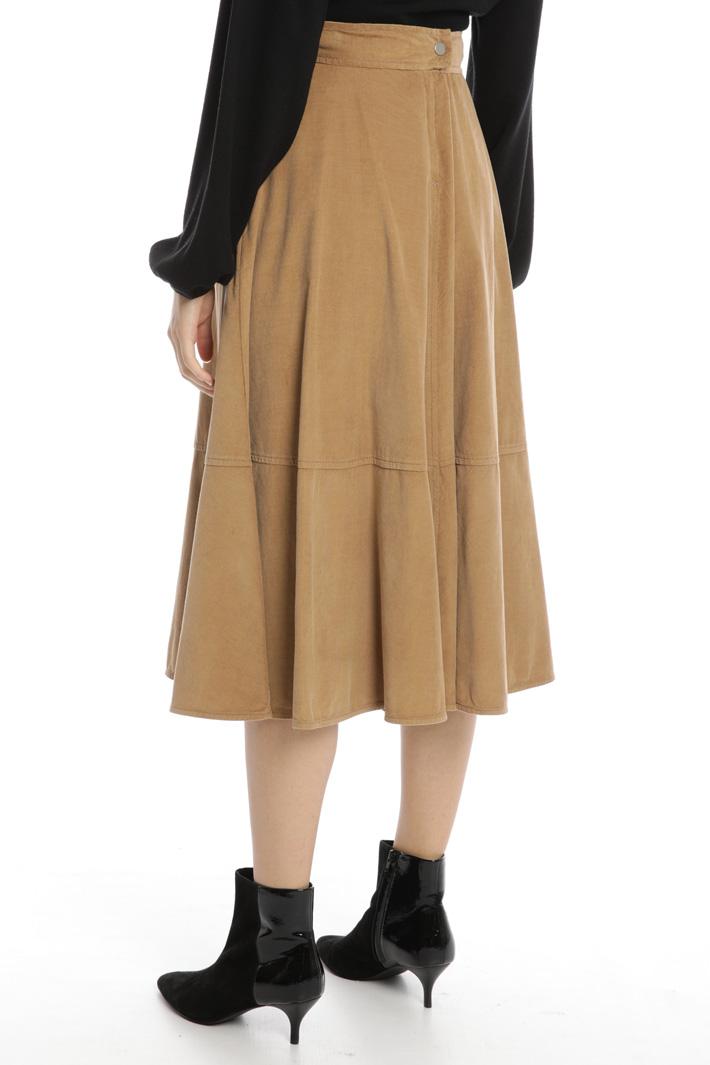 Flowy velvet skirt Intrend