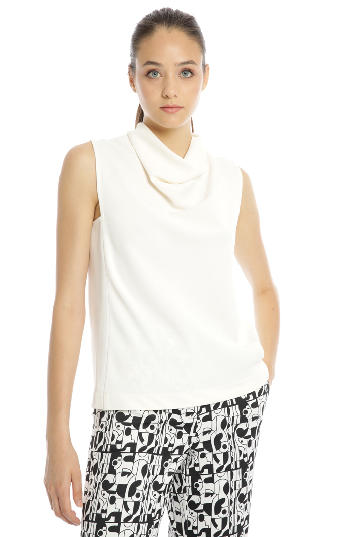 Sleeveless high neck top Intrend