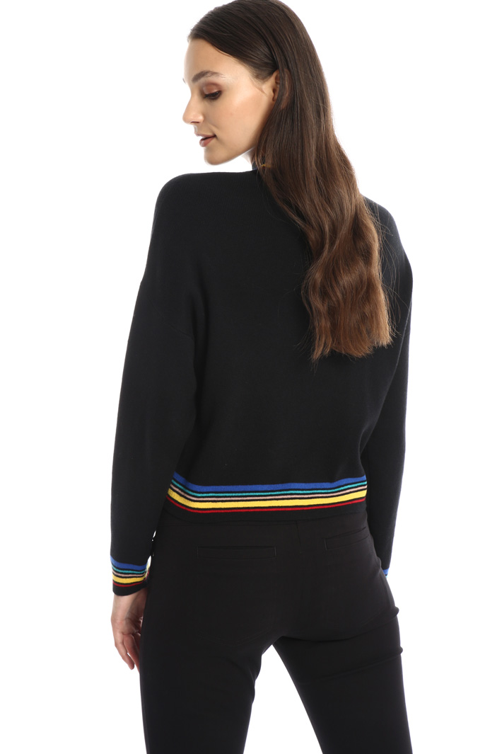 Sweater with multicolour trim Intrend