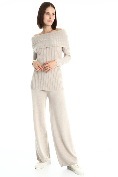 Off-shoulder wool sweater Intrend