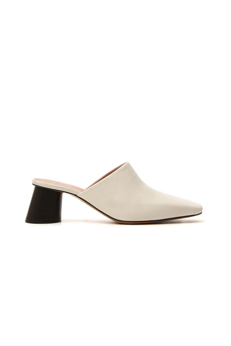 Leather mules  Intrend