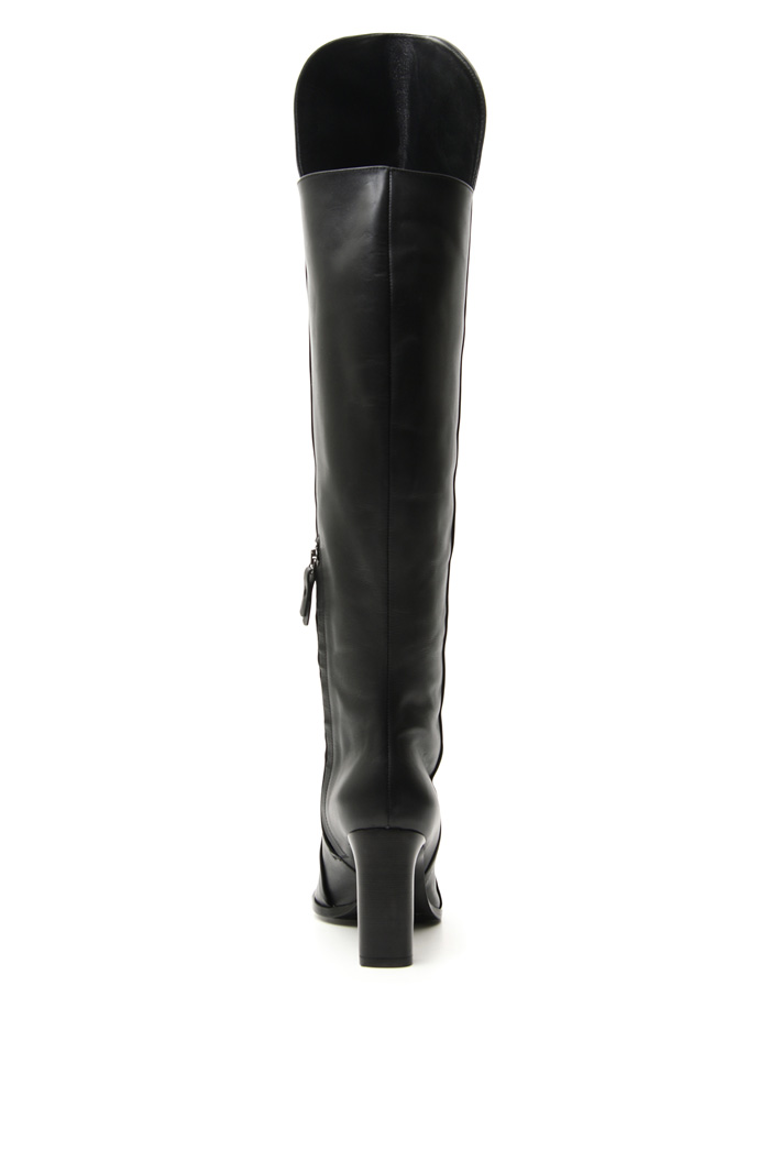 High boots in leather Intrend