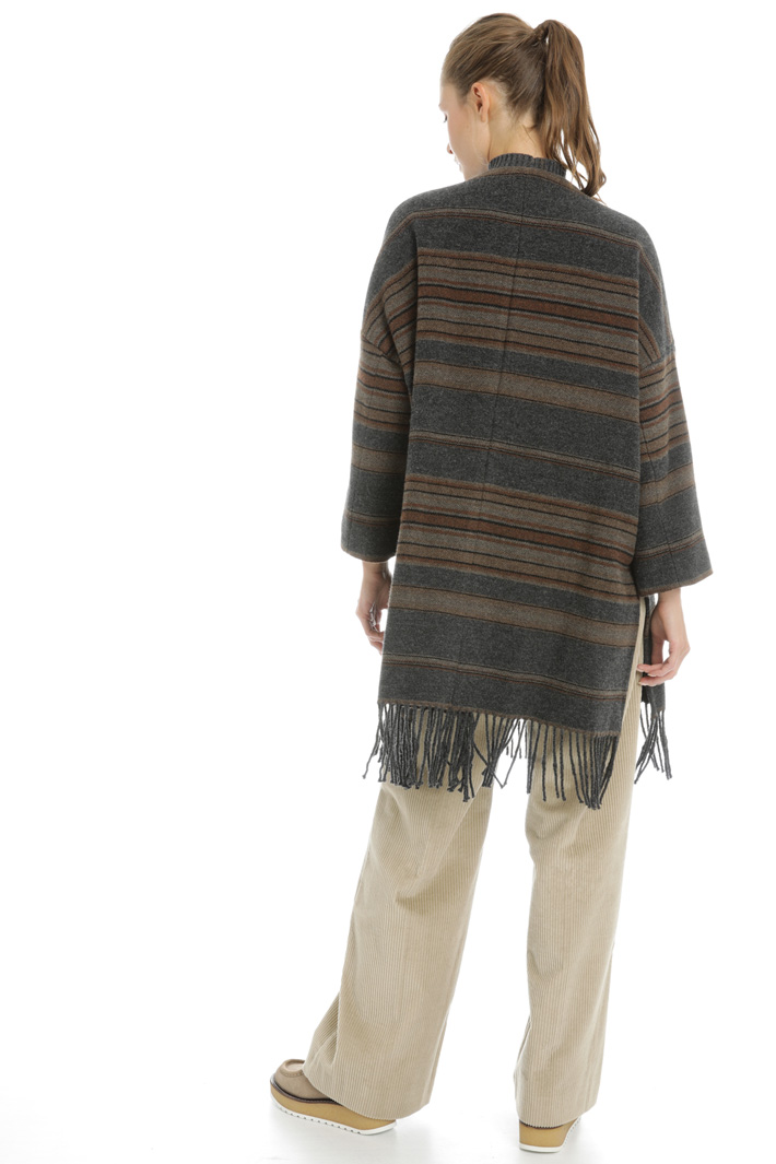 Wool coat with fringed hem Intrend
