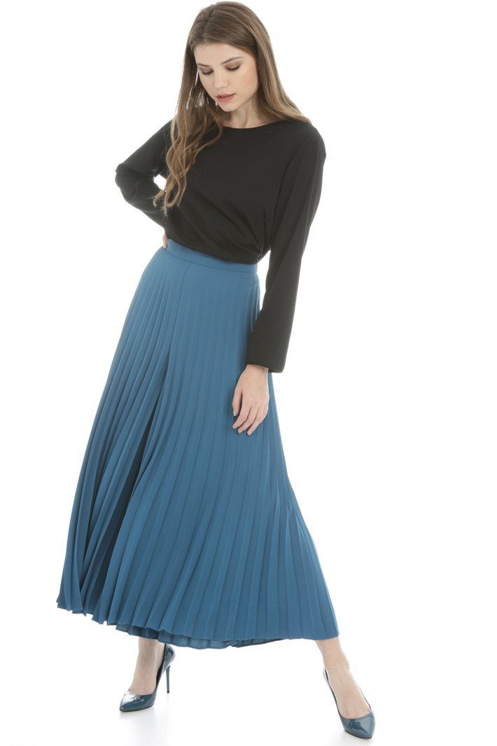 Pleated crepe trousers Intrend