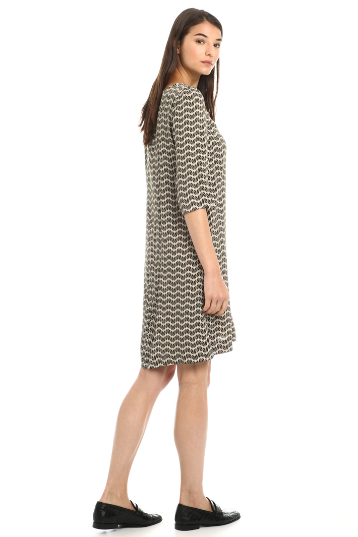 Flared crepe dress Intrend