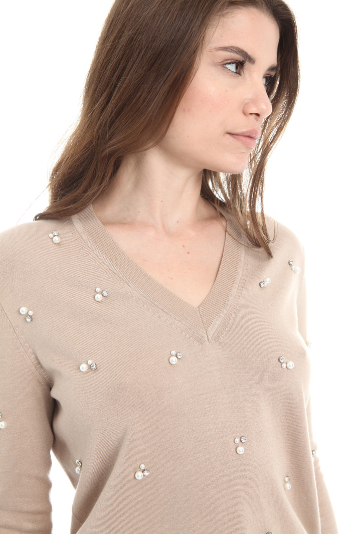 Sweater with beads and sequins Intrend