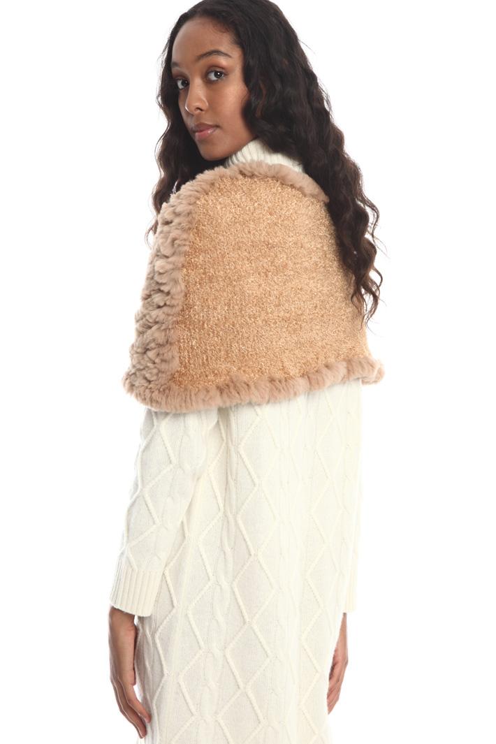 Rabbit knit cape Intrend
