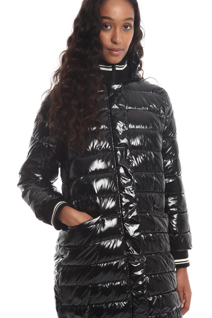 Varnished-effect coat Intrend