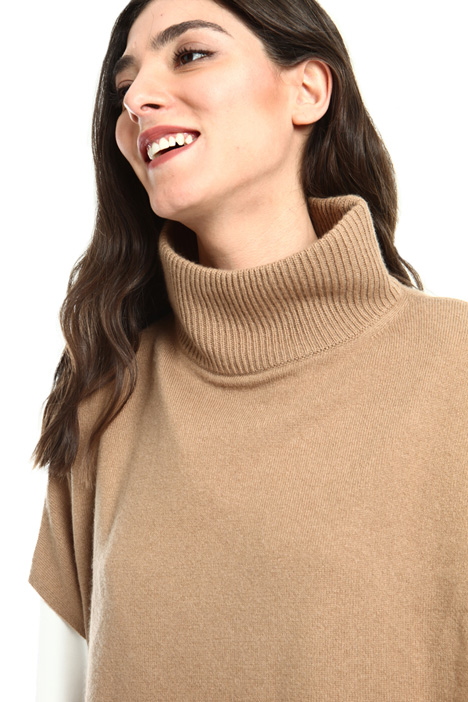 Wool and cashmere cape Intrend