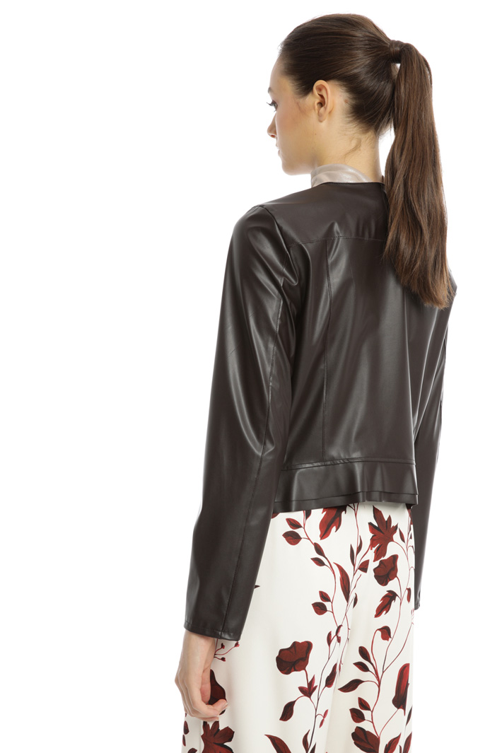 Frilled hem jacket Intrend