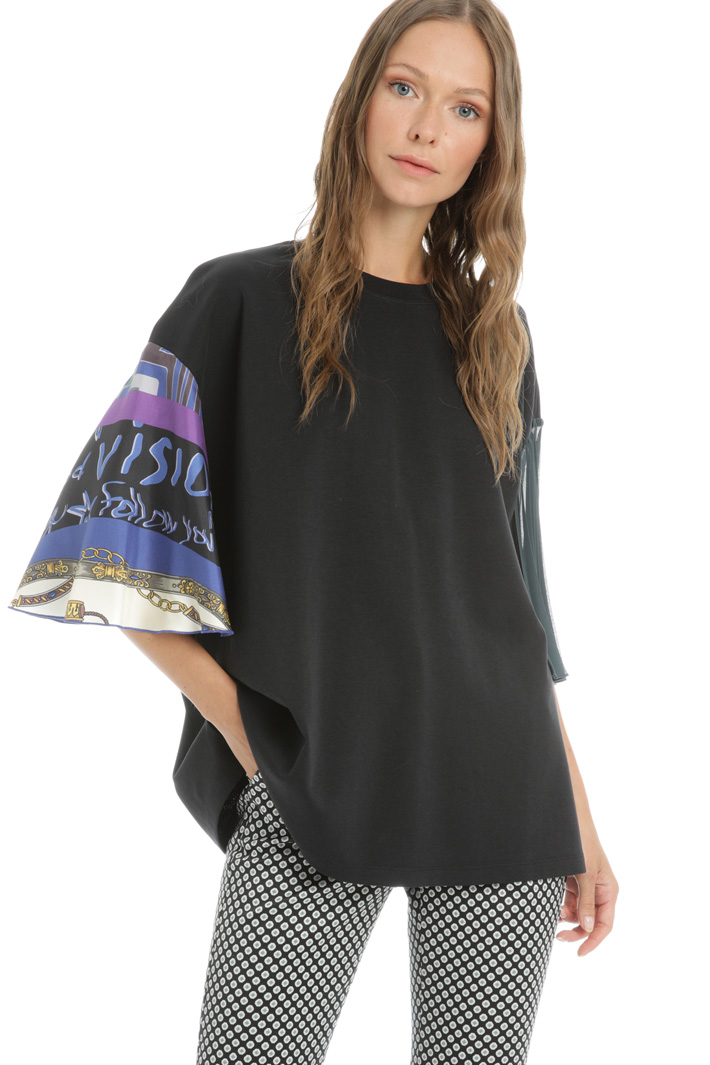 Fancy print sleeve Tee Intrend