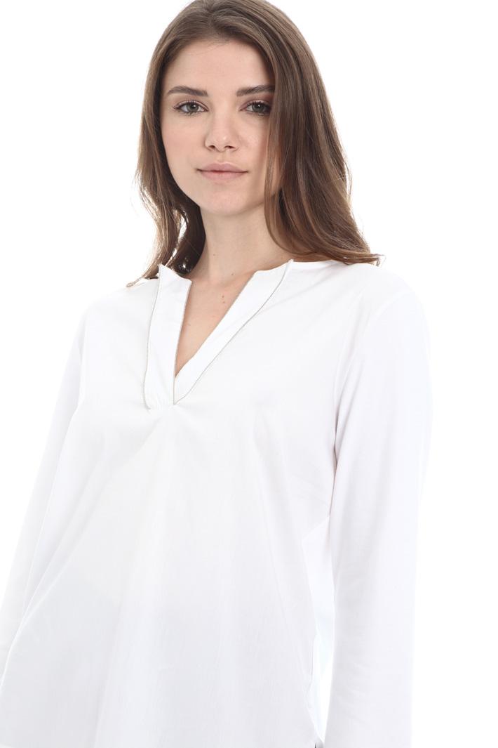 V-neck T-shirt Intrend