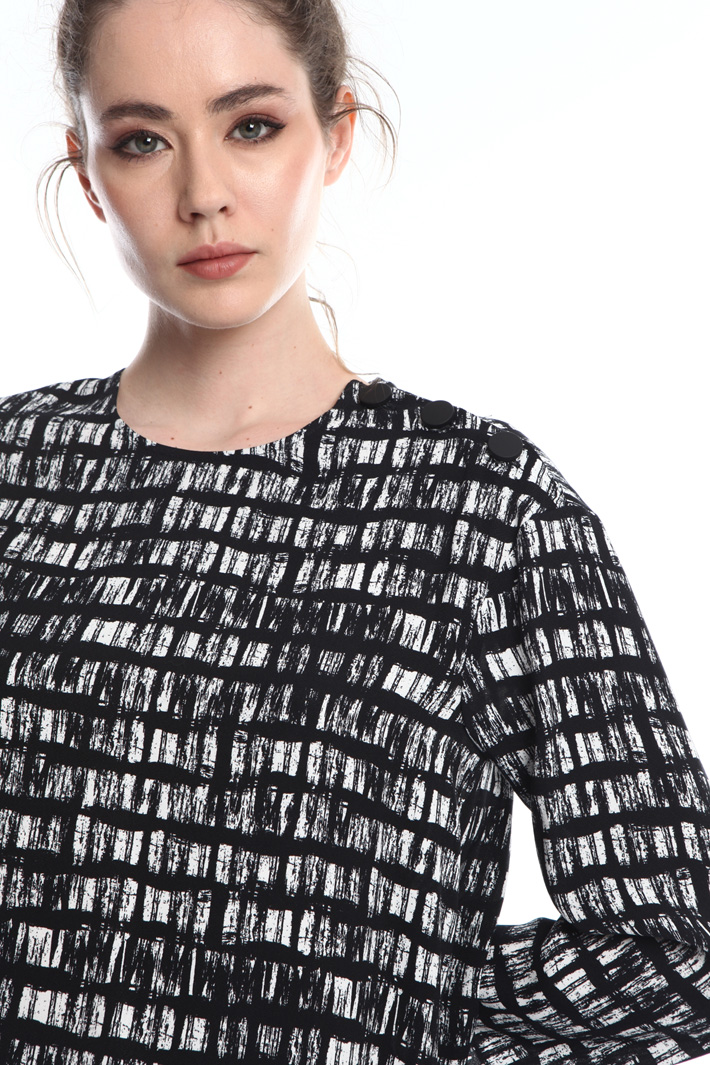Blouse with shoulder buttons Intrend