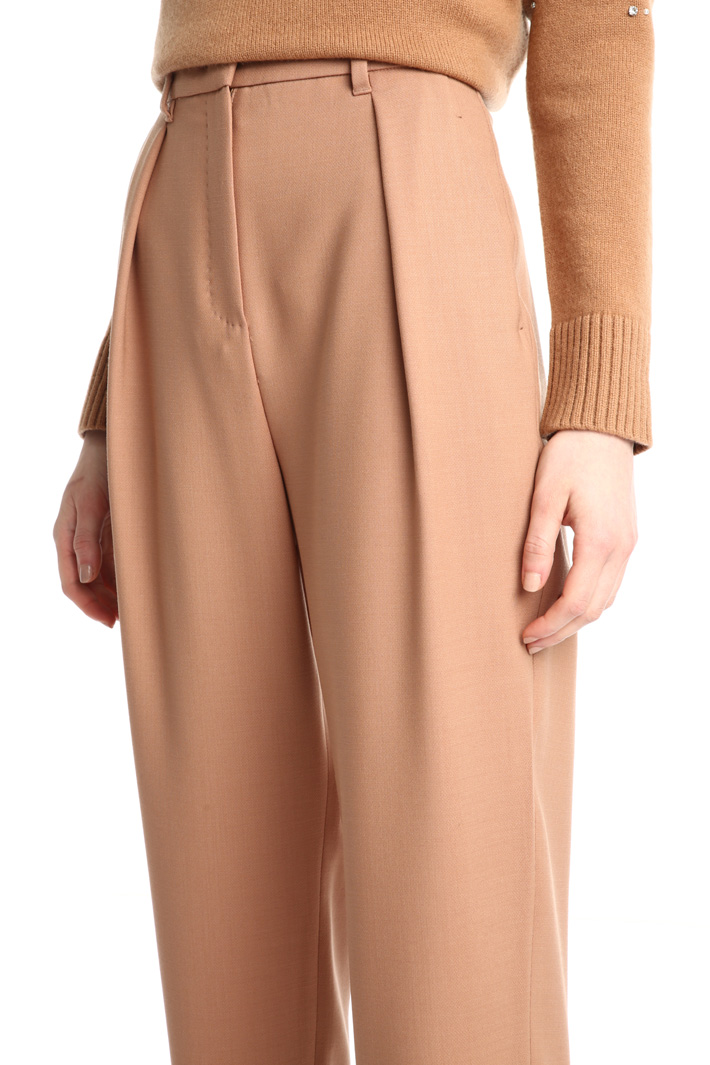 Wool carrot trousers Intrend