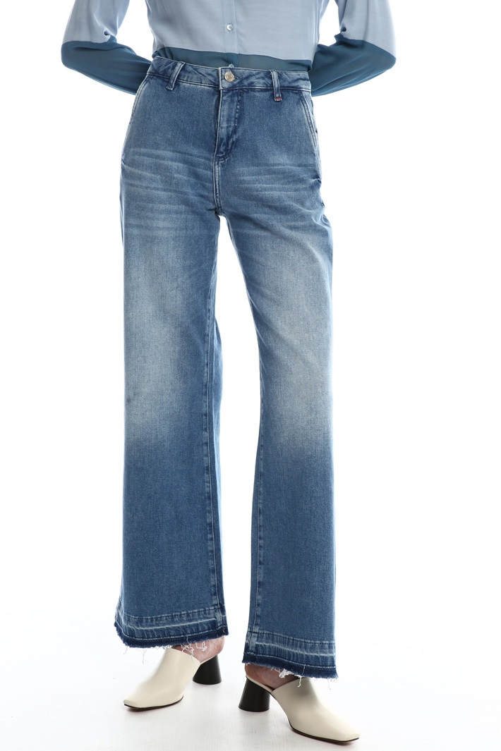Flared  jeans  Intrend