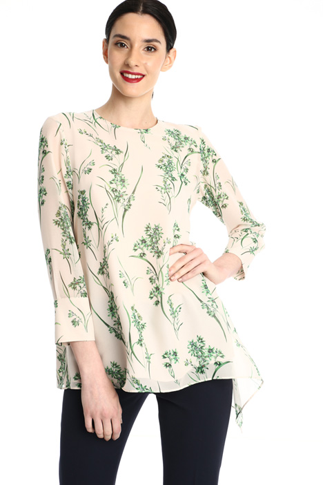 Silk blouse with side flounce Intrend