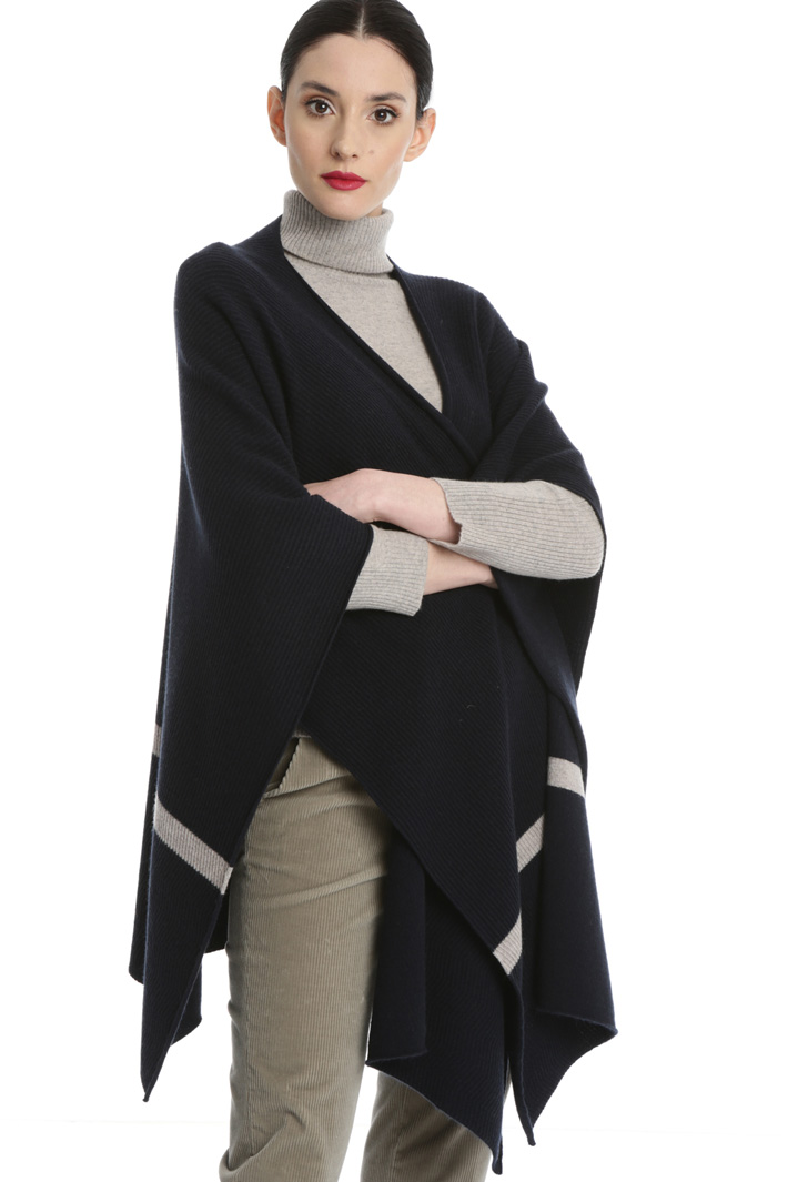 Cashmere and wool cape Intrend