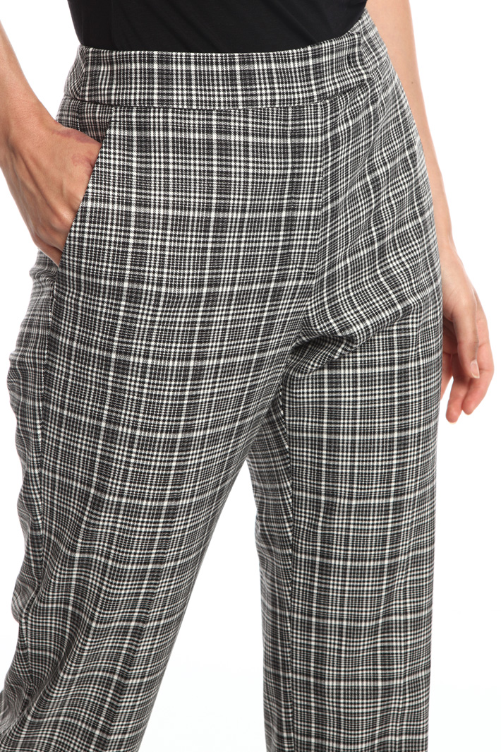 Slim-fit trousers with turn-up Intrend