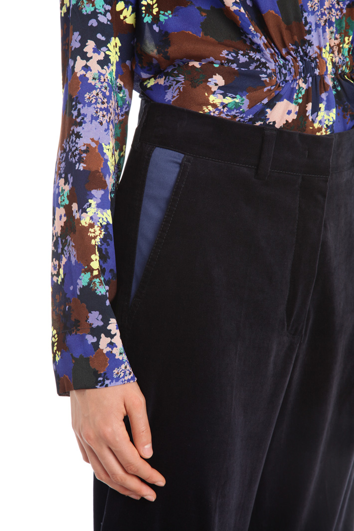 Crop velvet trousers Intrend