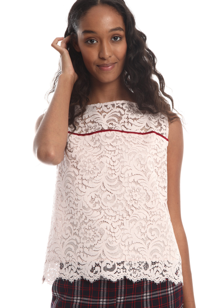 Sleeveless lace top Intrend