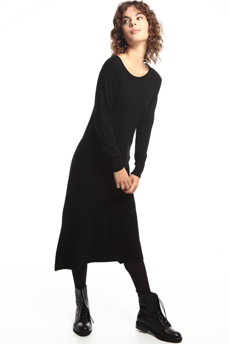 Knit dress with asymmetric hem Intrend