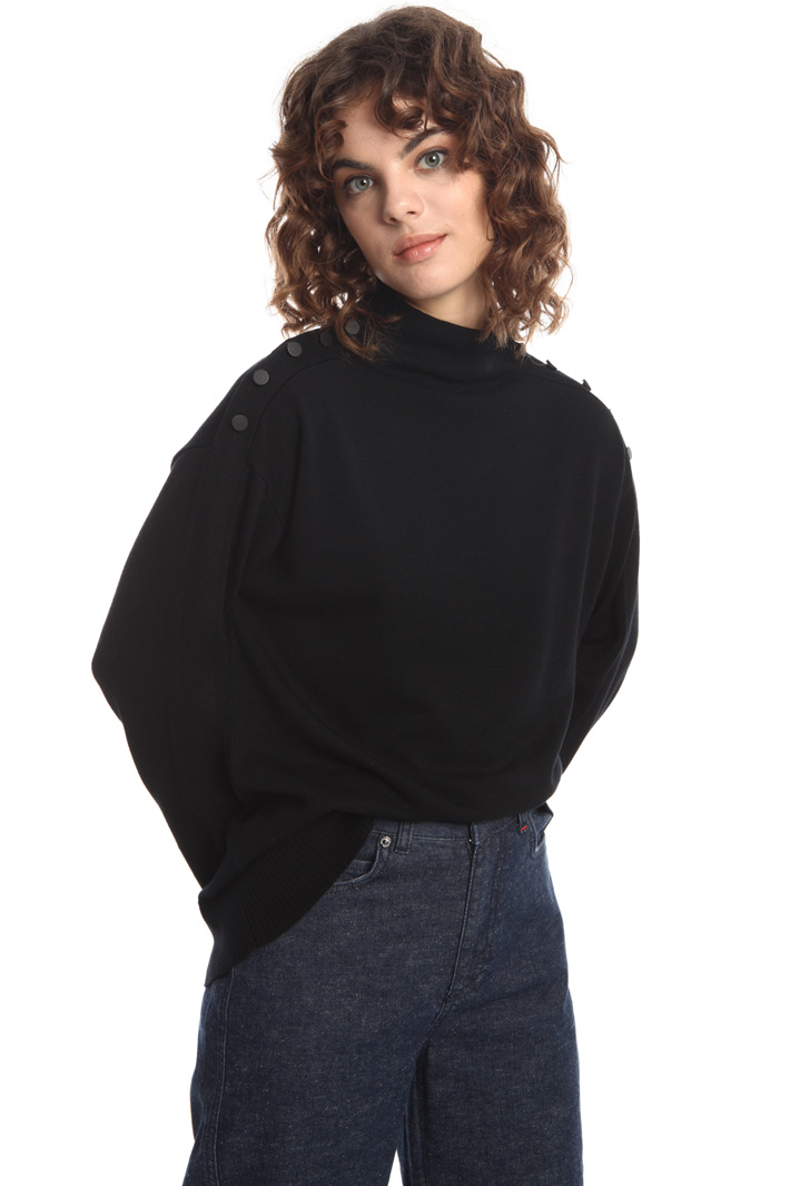 Sweater with shoulder buttons Intrend