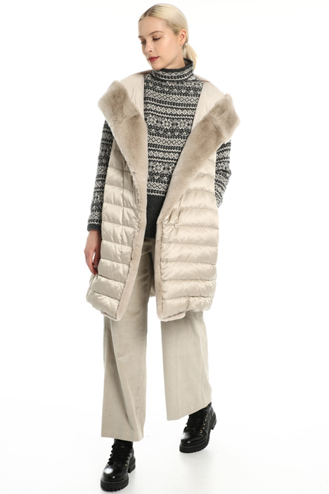 Fur trimmed vest Intrend