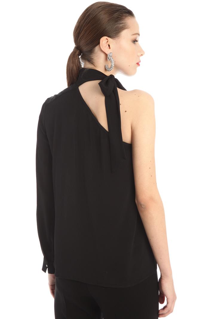 One-shoulder blouse Intrend
