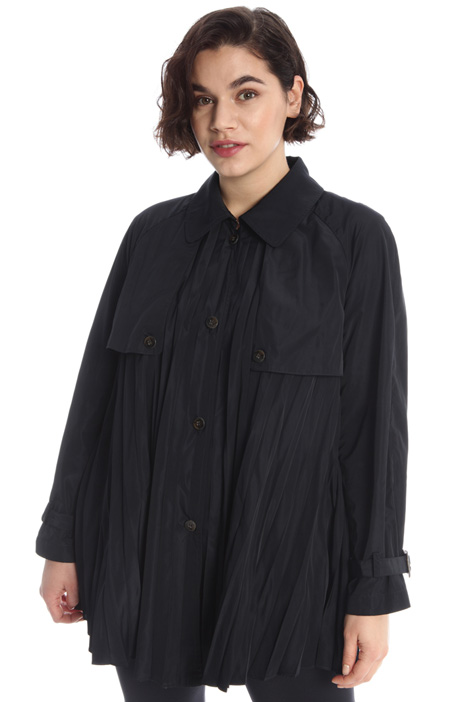Pleated raincoat Intrend