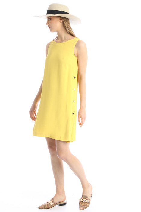 Short dress in fluid crepe Intrend