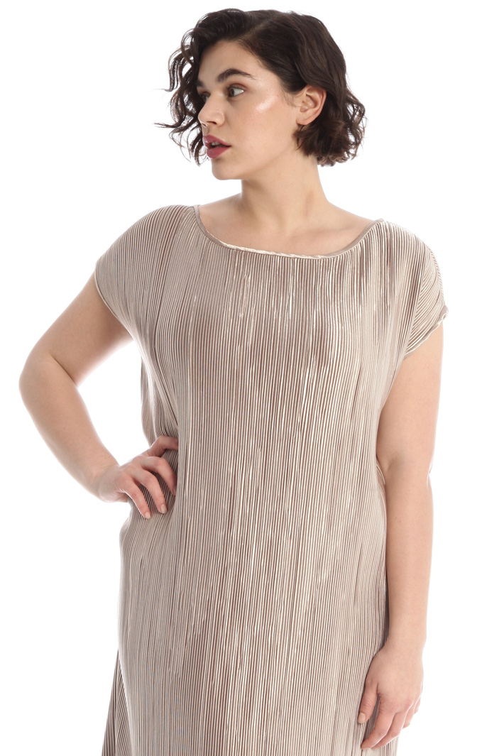 Pleated satin dress Intrend