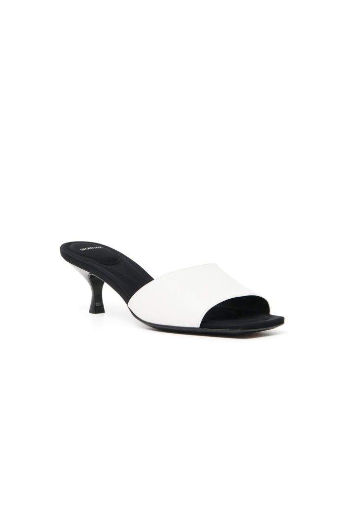 Heeled leather sandals Intrend