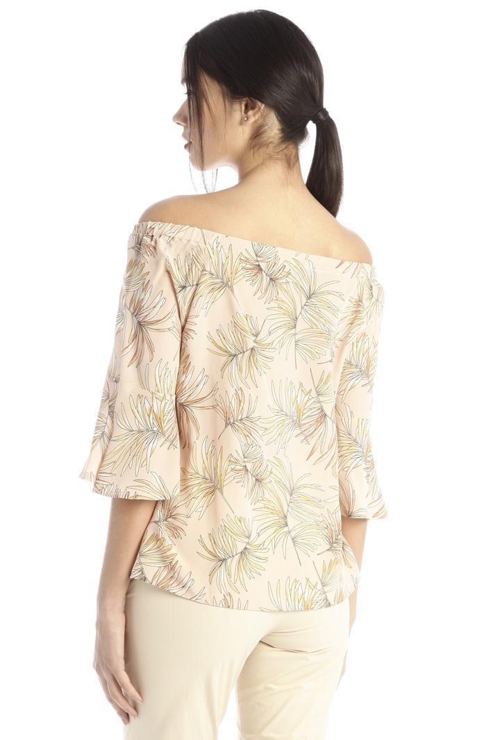 Off-shoulder blouse Intrend